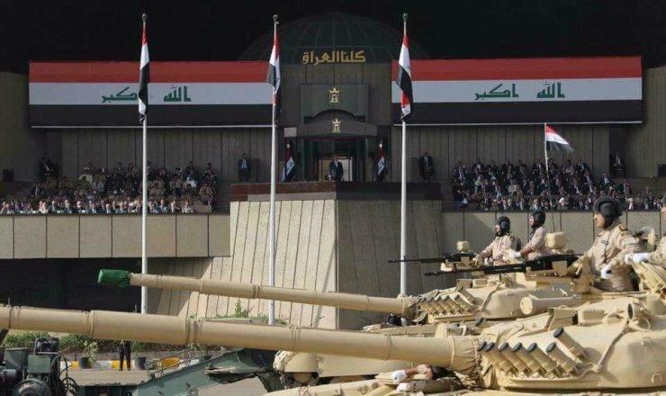 DEwrIeOXkAE1v9D Военный парад в честь освобождения Мосула от террористов прошел в Багдаде