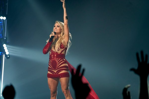 """Carrie Underwood on Twitter: """"Carrie returns for fifth ..."""