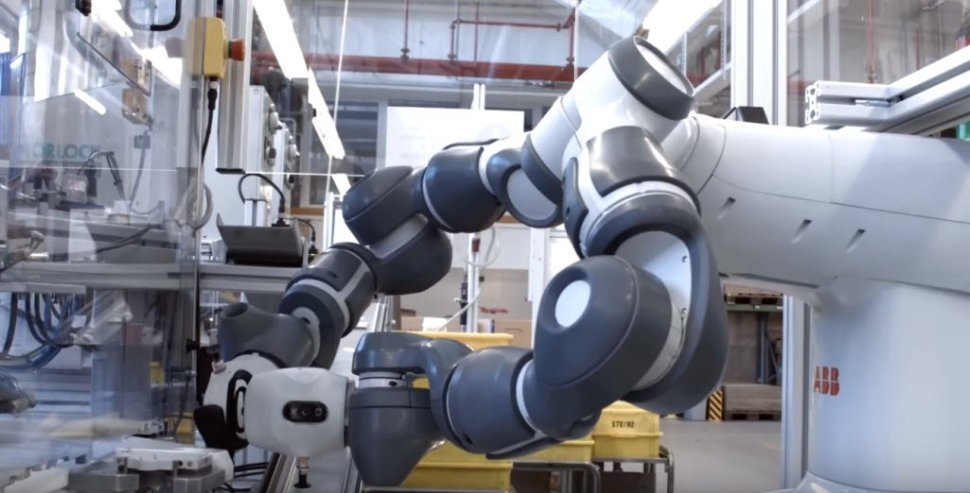 test Twitter Media - ABB's Sami Atiya discusses how collaborative #robots are to become part of global value chain https://t.co/xuJbrMZ0KD #machinelearning #AI https://t.co/bLYg2WU1Uc