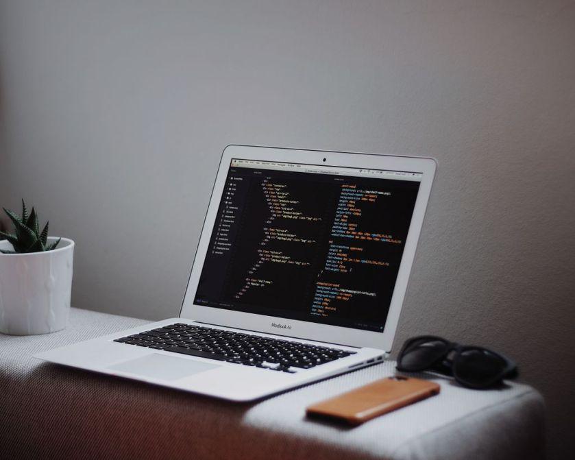 Building a #ReactJS Universal Blog #App: Implementing Flux:  by @tonyspiro #JavaScript