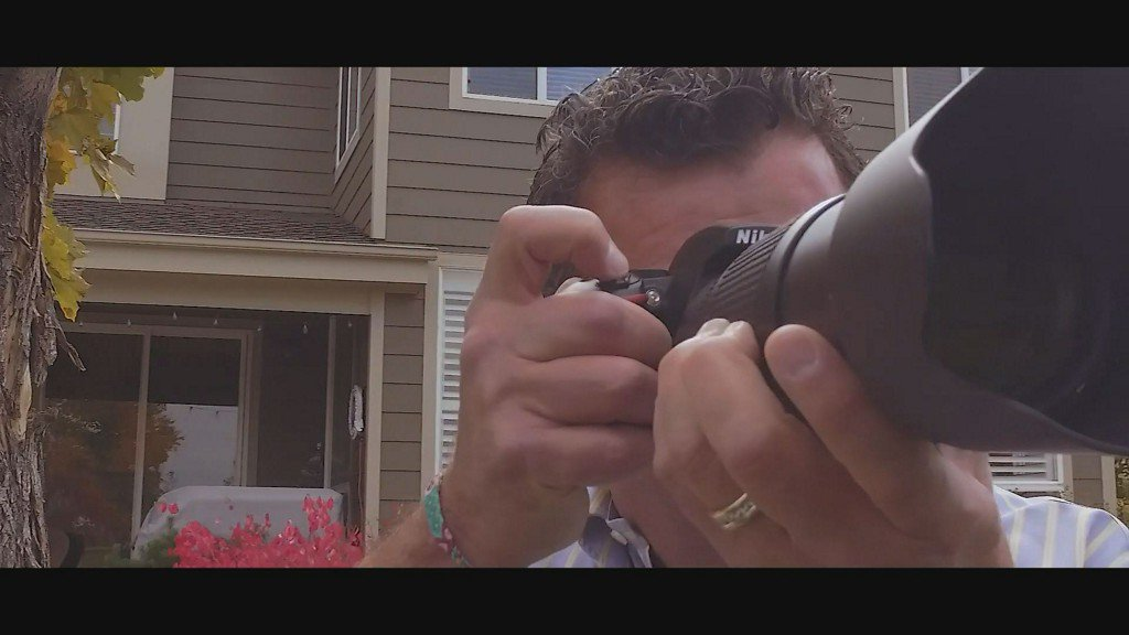 After daughter takes her own life, father realizes value of a photo