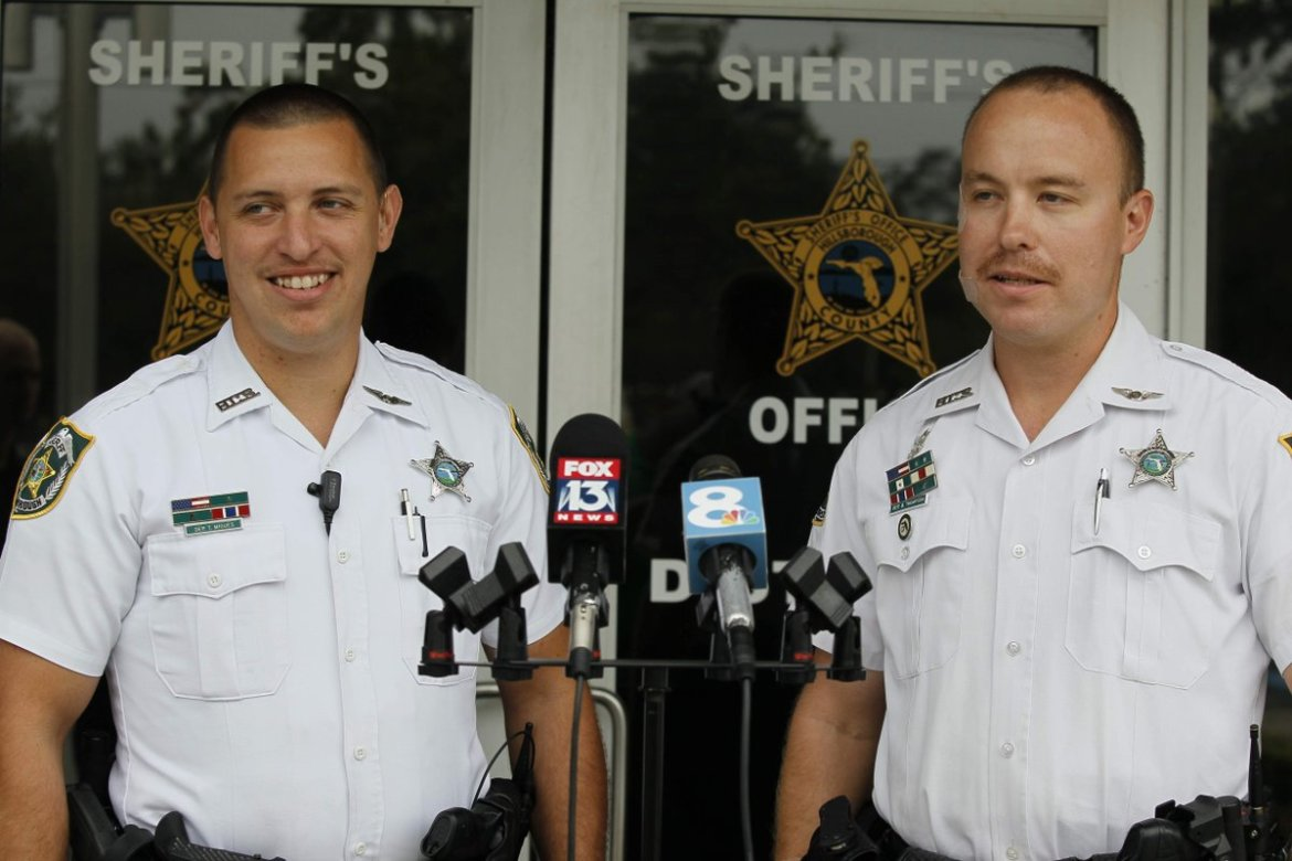 Hillsborough deputies describe rescuing woman from sinking SUV  @TB_Times
