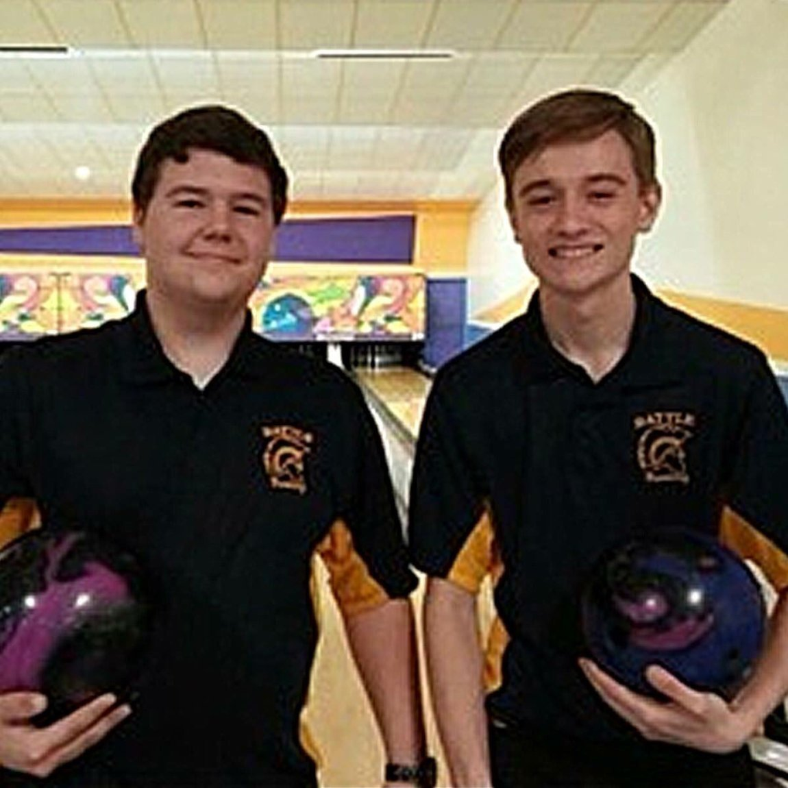 test Twitter Media - Collin Walsh and Mark Lee won the Best Bowling Pro Shops Junior Event at Sunset Lanes in St Louis, MO. Both threw the Mako for the victory! #TrackBowling #SmartBowling https://t.co/lke850miZb