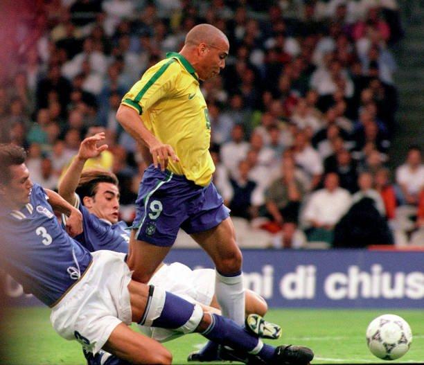 "90s Football on Twitter: ""Maldini and Cannavaro vs Ronaldo.… """