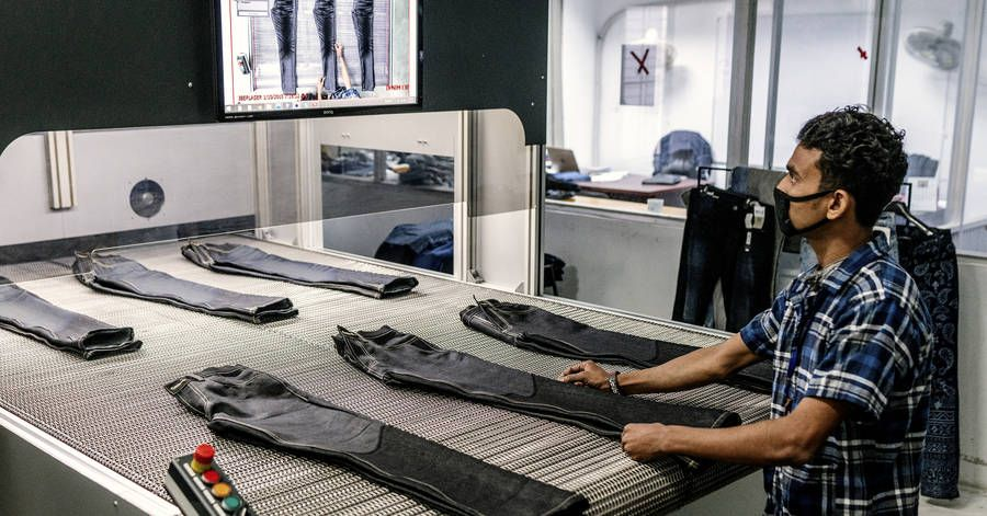 """test Twitter Media - The #Robots Are Coming for Garment Workers. That's Good for the U.S., Bad for Poor Countries  """"Automation is reaching into trades that once seemed immune, transforming sweatshops ... and bringing production back to America""""  #AI via @ipfconline1  https://t.co/wWeCFaWxxt https://t.co/EUOY7fiWo6"""
