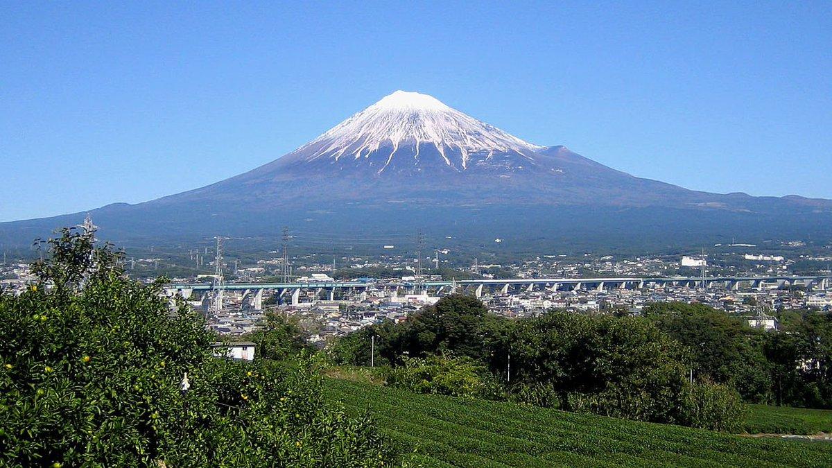 test ツイッターメディア - 最近ショックだった事は、三島駅前スクランブル交差点の音楽が「あたまを雲の上に出しー♪」の「ふじ山」じゃなくなったことです…(   ´_ゝ`)(静岡県の富士山が見えない街から) #富士山の日 https://t.co/0rg6lSrsmZ