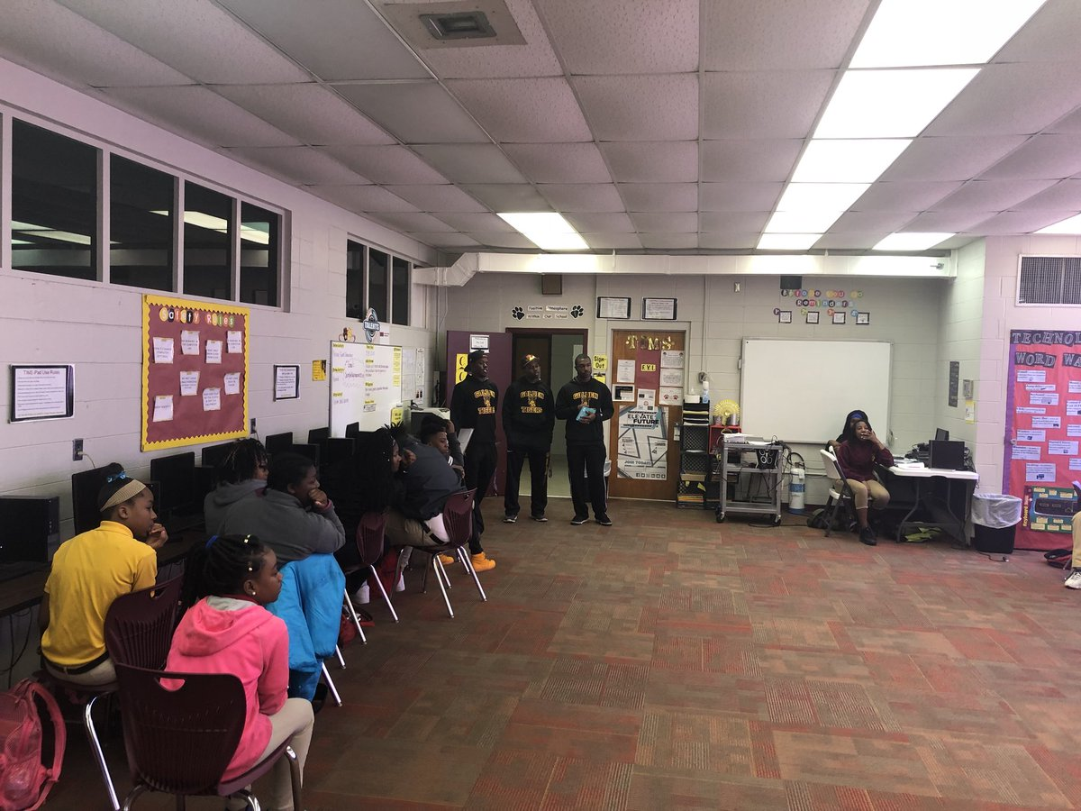 Tuskegee baseball on Twitter   Tuskegee Baseball giving back to the     Tuskegee baseball on Twitter   Tuskegee Baseball giving back to the  community by doing some reading  inspirational talks with students at  Tuskegee Institute