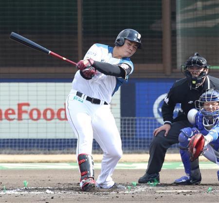 test ツイッターメディア - [産経]木製バットに苦慮続く日本ハム・清宮幸太郎「なかなか仕留めきれない…」 https://t.co/Q586auP3dU 鳴り物入りでプロ野球界に登場した日本ハムのドラフト1位、清宮幸太郎内野手(18、東京・早実高)だが、暗中模索が続いている。3月11日のDeNAとのオープン戦では4打席連続三振。こ… https://t.co/qnf0i1Ntej