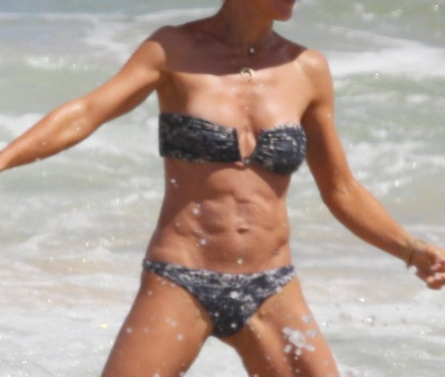 Nice Celeb And Girls On Twitter Elsa Pataky Sexy Bikini On The
