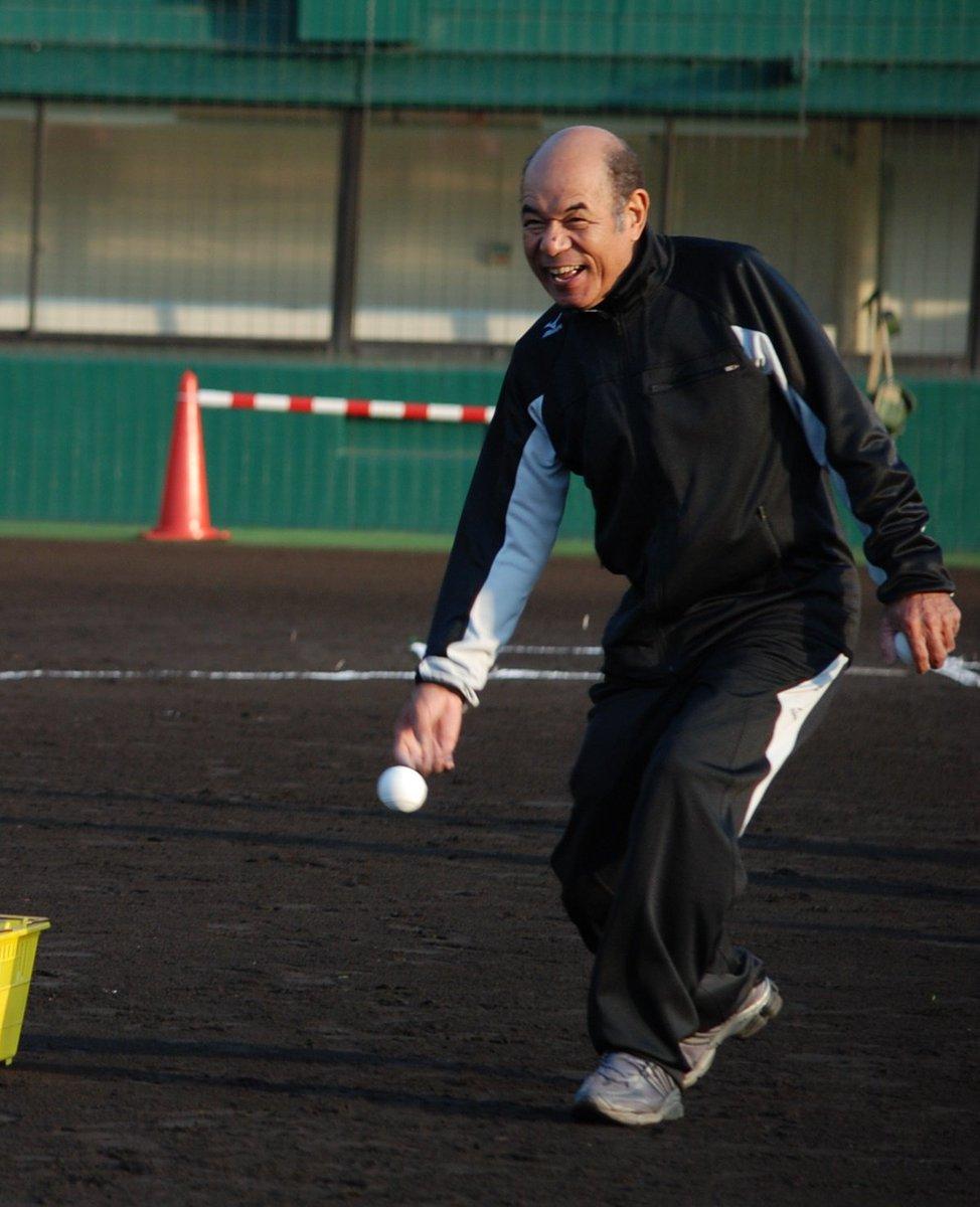 test ツイッターメディア - 日本の「鉄人」衣笠祥雄さんの訃報に接し、心から哀悼の意を表します。衣笠さんには、東日本大震災の後、米国大使館が東北の子どもたちへの支援の一環として開催した野球教室でリプケン元選手と共に指導していただきました。ご冥福をお祈りいたします。 https://t.co/f7ZayuEKly