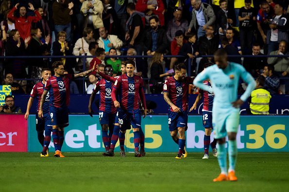 ليفانتي يوقف سلسلة اللاهزيمة لبرشلونة 26