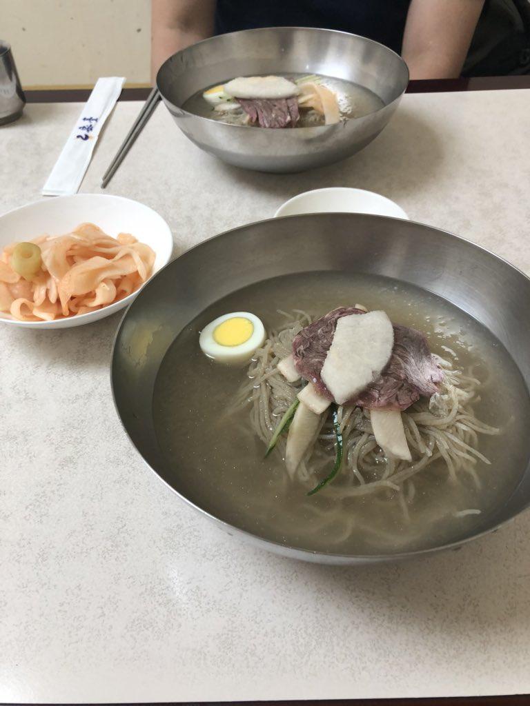 test ツイッターメディア - 昨日行った平壌冷麺の店、乙密台ですが、ソウルナビにも記事がありました。少し古い記事でしたが、今は韓国語のメニューと並んで日本語のメニューがあるのは驚きでした。 https://t.co/HSBBDNuHOx https://t.co/fPH8RCsl44