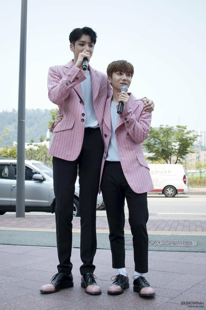 "🌸 on Twitter: ""Their height difference is funny but they look ..."