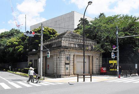 test ツイッターメディア - 東京・上野の博物館動物園駅、21年ぶり内部公開へ=京成電鉄が芸大と改修 https://t.co/cYpGp5Svn4  東京・上野にある京成線の旧博物館動物園駅が、東京芸術大の協力でリニューアル後、今秋に一般公開されることになり、7月上旬の工事開始を前に内部が報道関係者に公開された。 https://t.co/lvdBEJYjpP