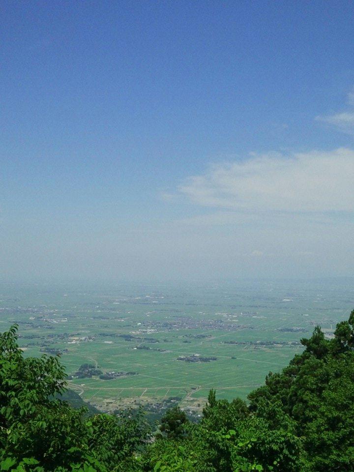test ツイッターメディア - 弥彦山の登頂に成功した >゜))彡  山頂で飲むコーヒーの味わい、格別 https://t.co/UcPBU4n6Zm