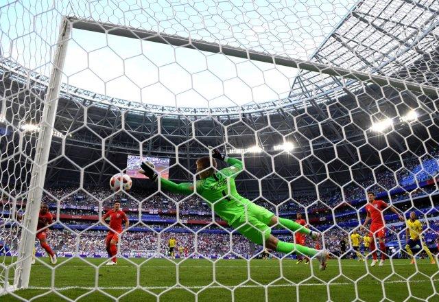 إنجلترا إلى نصف نهائي كأس العالم بالفوز على السويد بثنائية نظيفة 2