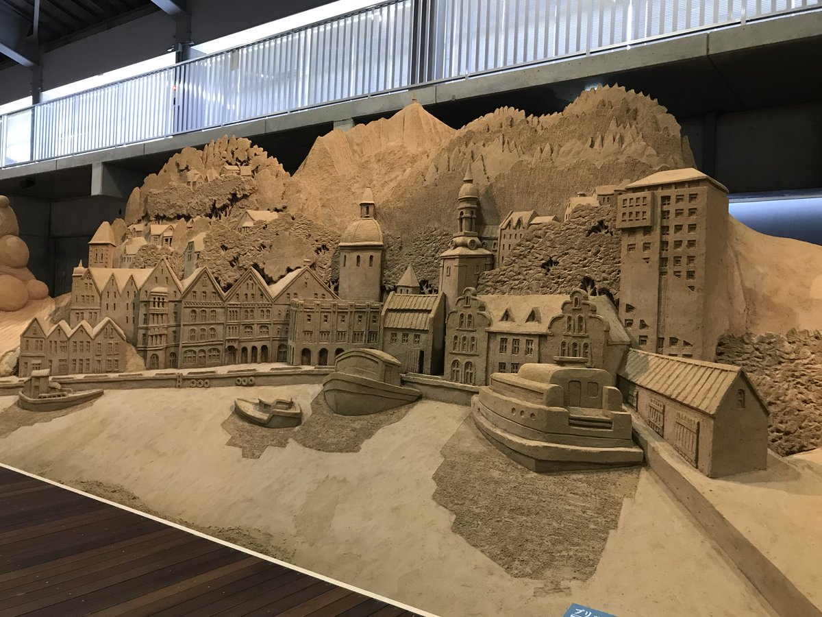 test ツイッターメディア - 今日鳥取行って鳥取砂丘と砂の美術館に行ってきた (写真は砂の美術館) https://t.co/D5nZ6n9lAr