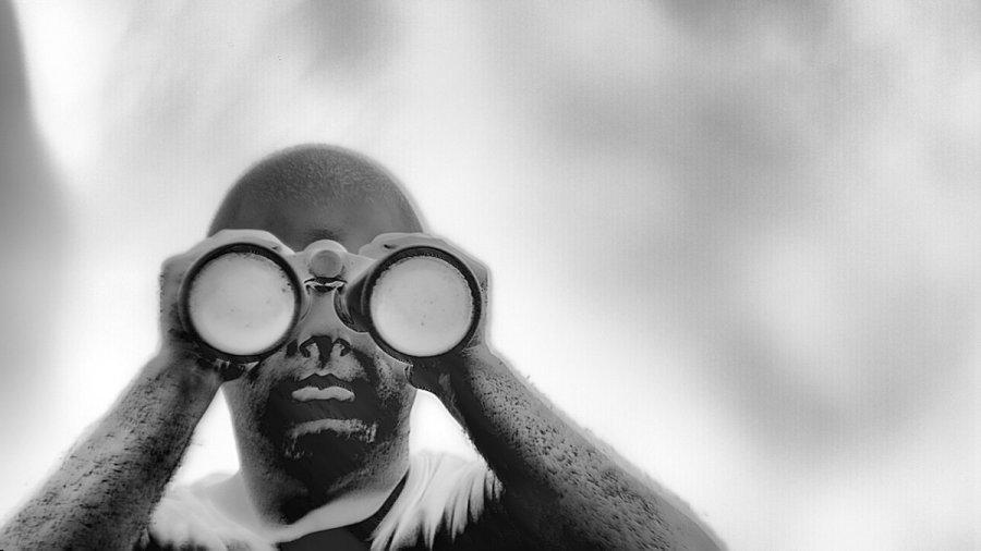 test Twitter Media - Richard Mosse dokumentiert  in »Incoming« Menschen auf der Flucht mit einer Wärmekamera. Er versucht die Kamera gegen ihren intendierten Zweck zu verwenden, die es den Betrachter_innen ermöglicht, über die extrem schwierigen Reisen der Flüchtenden nachzudenken. #phototriennale https://t.co/59B2ciNkFf