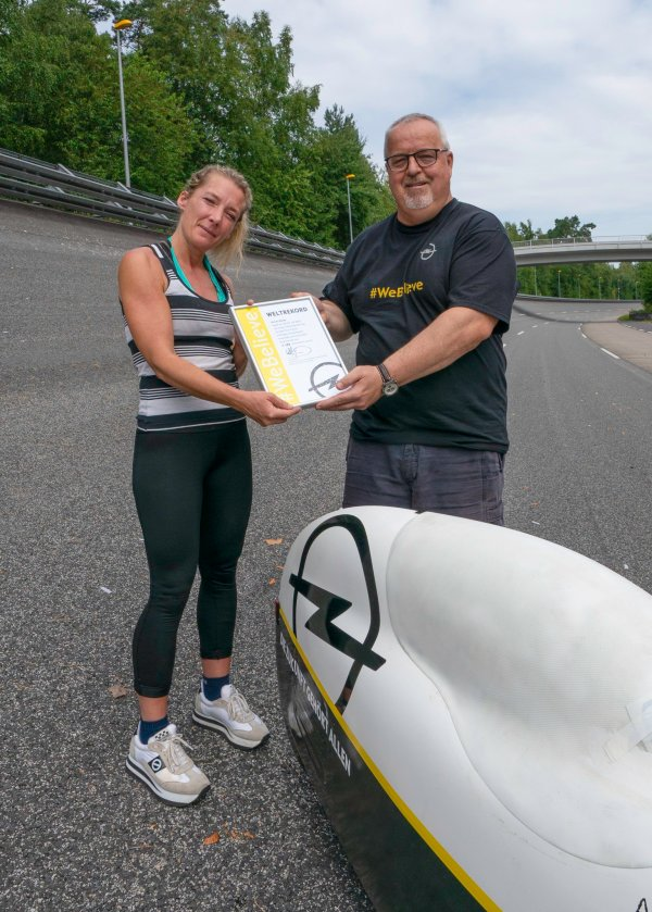 nici walde is new 24hour world record holder in - HD 858×1200
