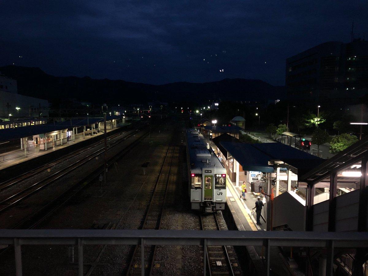 test ツイッターメディア - 寄居はJR八高線、東武東上線、秩父鉄道が交錯するところで、読書会中に秩父鉄道を走るSLの汽笛が聞こえたのも思わぬサプライズ^_^ 図書館には研究者の方が寄贈したという宮沢賢治関連本が棚三つくらい並んでたのもビックリでした。 https://t.co/XBH5LPEfW8