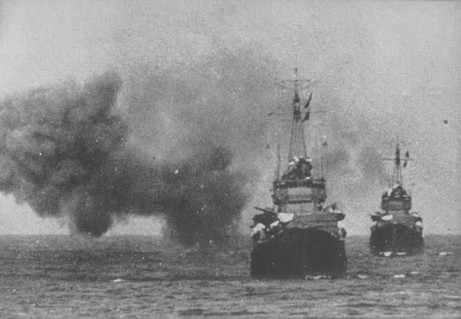 test ツイッターメディア - @hattaku1943 乙です ネットサーフィンで見つけたので共有致します 1941年10月 豊後水道で砲戦訓練中の白露、時雨です https://t.co/gtJD9EK3qS
