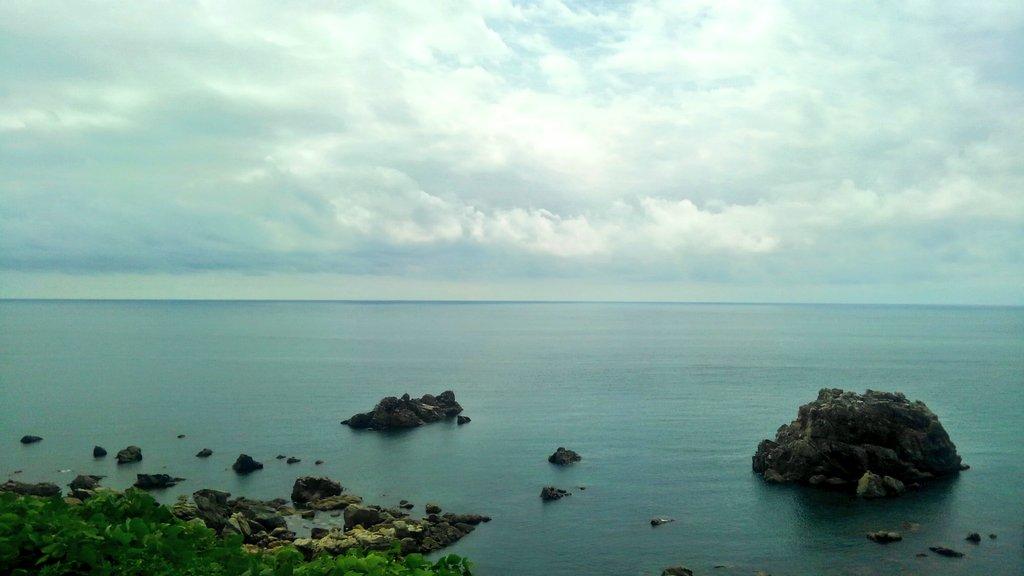 test ツイッターメディア - 五能線の絶景ポイント。 リゾートしらかみ3号、秋田県から青森県へと入りました。 https://t.co/nNToqjzjdK