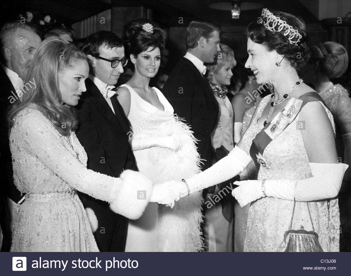 test ツイッターメディア - @strip_archivist @yamasarudaisuki 確かに区別がつかないのもわかりますが… しかし、一緒に写ってる写真があるんですね。しかも、エリザベス女王とウディ・アレン! https://t.co/Z1kuaVbm4V