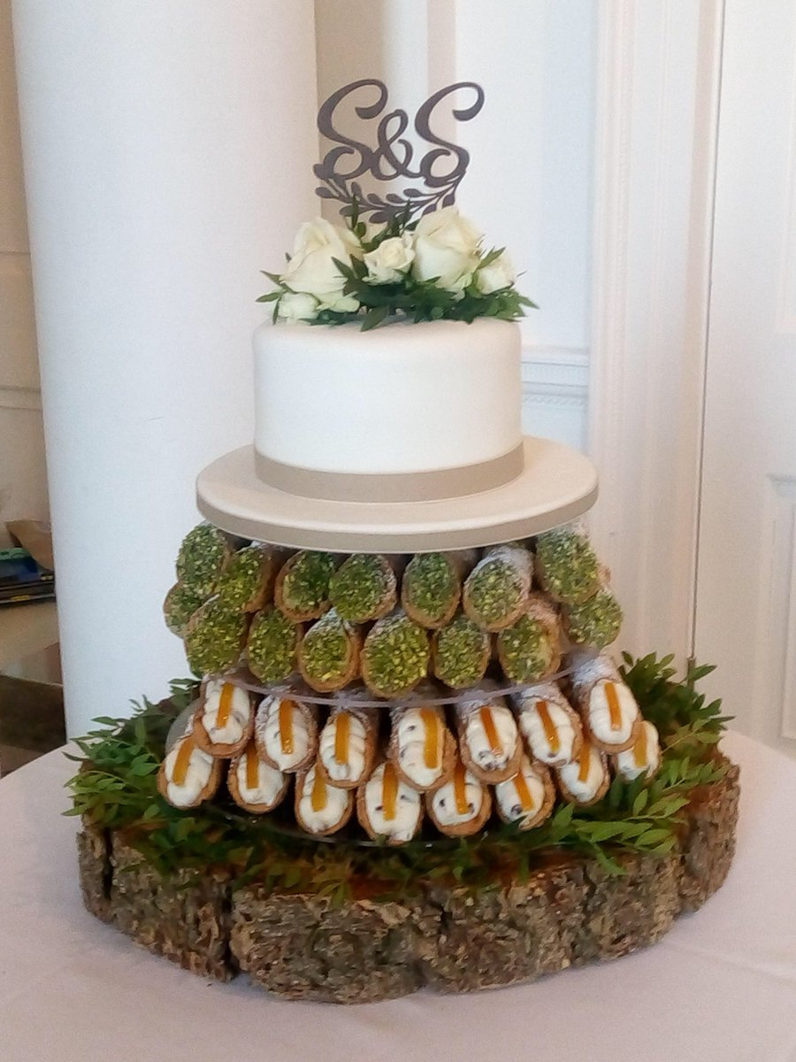 Cafe Cannoli on Twitter   Here s our latest Cannoli wedding creation     Cafe Cannoli on Twitter   Here s our latest Cannoli wedding creation Hope  you like it  Many congratulations to the happy couple Have a fantastic day  folks