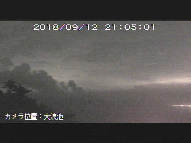 test ツイッターメディア - 新燃岳。午後6時前くらいから地震が増えてきたような。そろそろかな。 https://t.co/gvH0xB1TBR