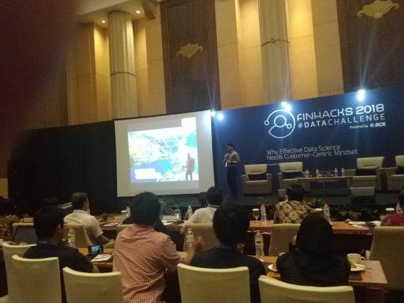 DmisNWhU0AIB-d6 Roadshow Finhacks 2018 #DataChallenge Yogyakarta  wallpaper