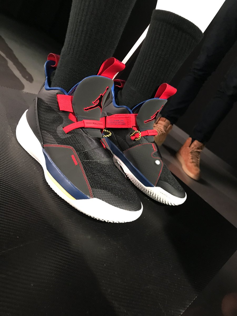 Nick DePaula on Twitter   Live in LA at Jordan Brand s unveil of the         of the new Air Jordan 33     headlined by Victor Oladipo   Maya Moore      fully laceless with new    FastFit    tech and priced at  175