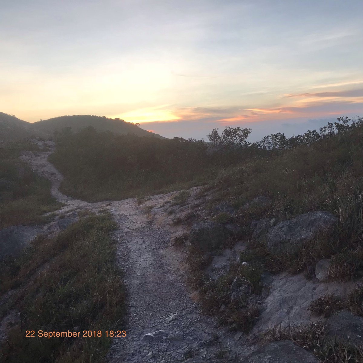 Run into sunset on Wilson trail section 9