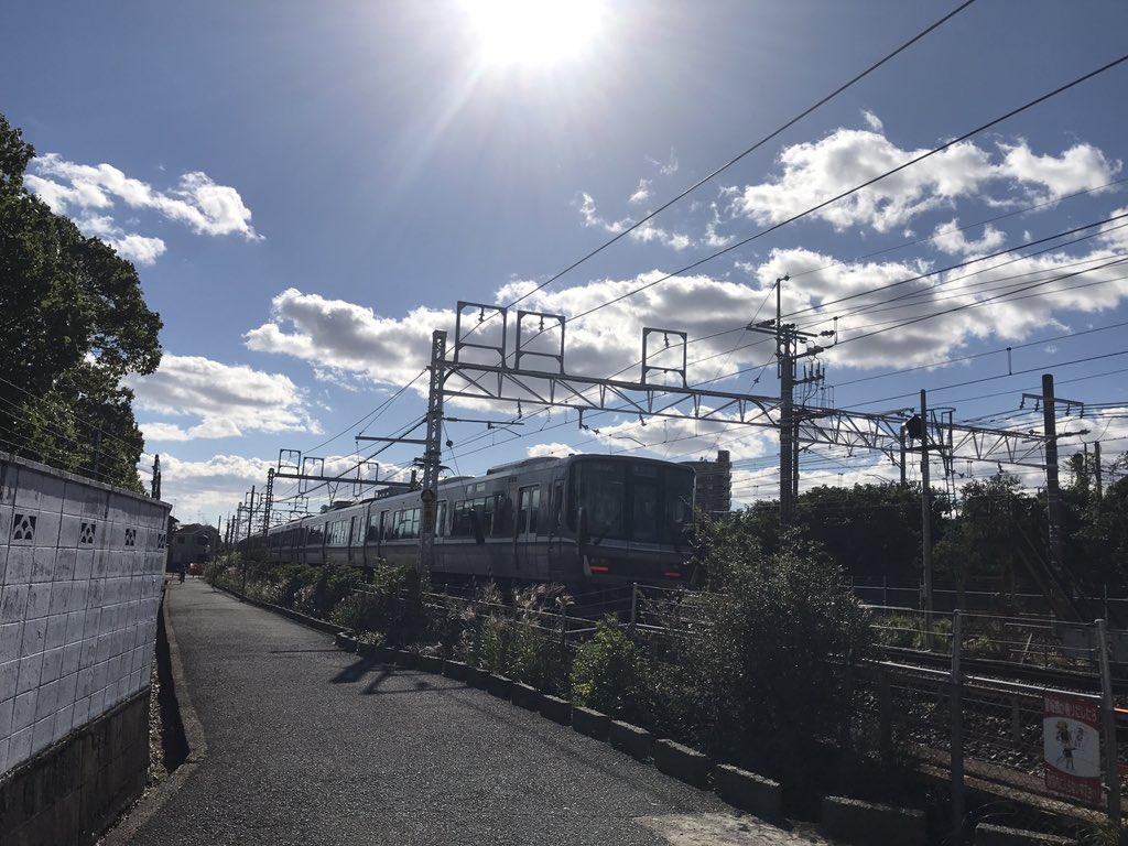 test ツイッターメディア - 新快速@千里丘駅付近 https://t.co/JPXq3ndORb