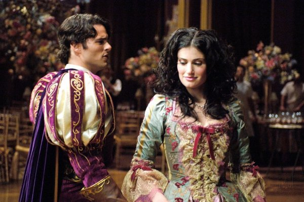 """Idina Menzel and James Marsden are Returning for the """"Enchanted"""" Sequel"""