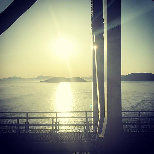 test ツイッターメディア - 学会を終え、瀬戸内海を電車で渡って、本州・名古屋へ帰る。  #瀬戸大橋線 #マリンライナーの車窓から https://t.co/Iiv4sFTLvr