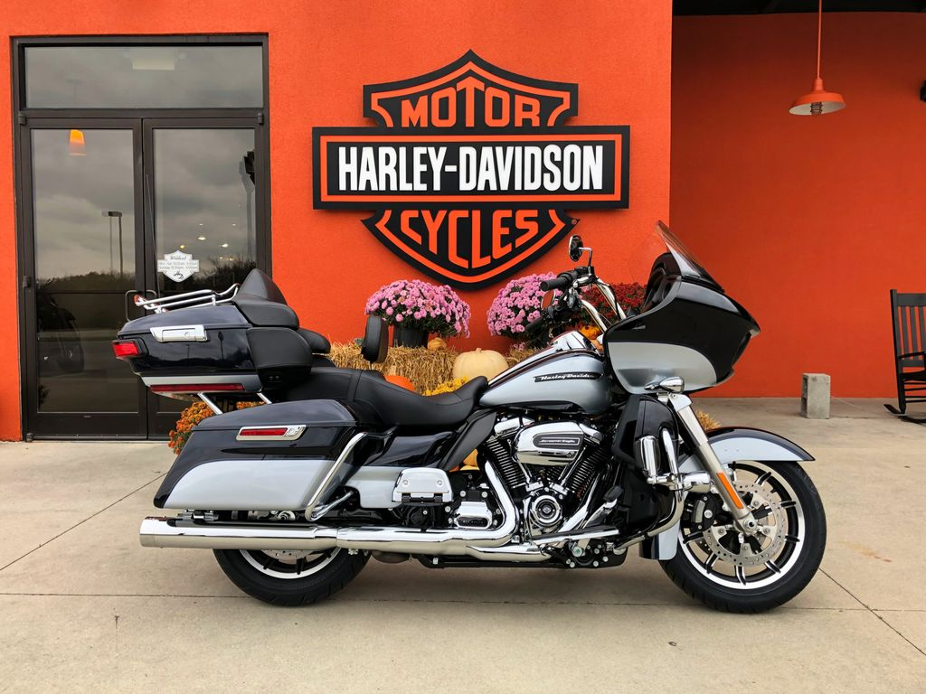 this 2019 road glide ultra has all you