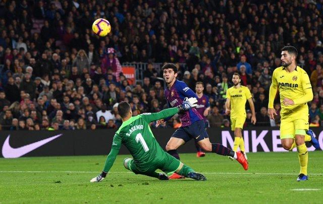 برشلونة يفوز على فياريال بهدفين 25