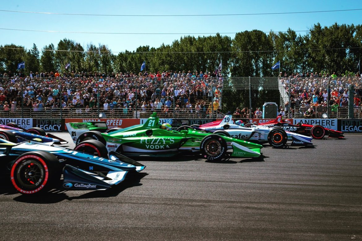 test Twitter Media - #tbt to packed stands and photo shoot quality spacing entering turn 1 @IndyCar @Portland_GP ! #indycar #racecar https://t.co/caEDERfdXf