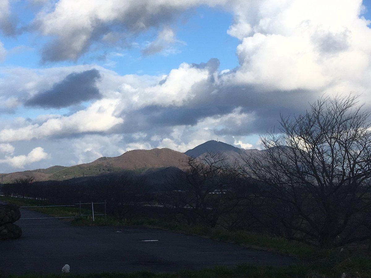 test ツイッターメディア - 弥彦山  新潟は地形構造が複雑で面白い https://t.co/6IxDn0P4gR