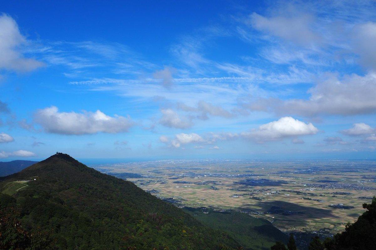 test ツイッターメディア - 「弥彦山山頂からの眺め」  片方はダイレクト日本海。片方は越後平野。  #いいね新潟 https://t.co/r9npPWVkrR