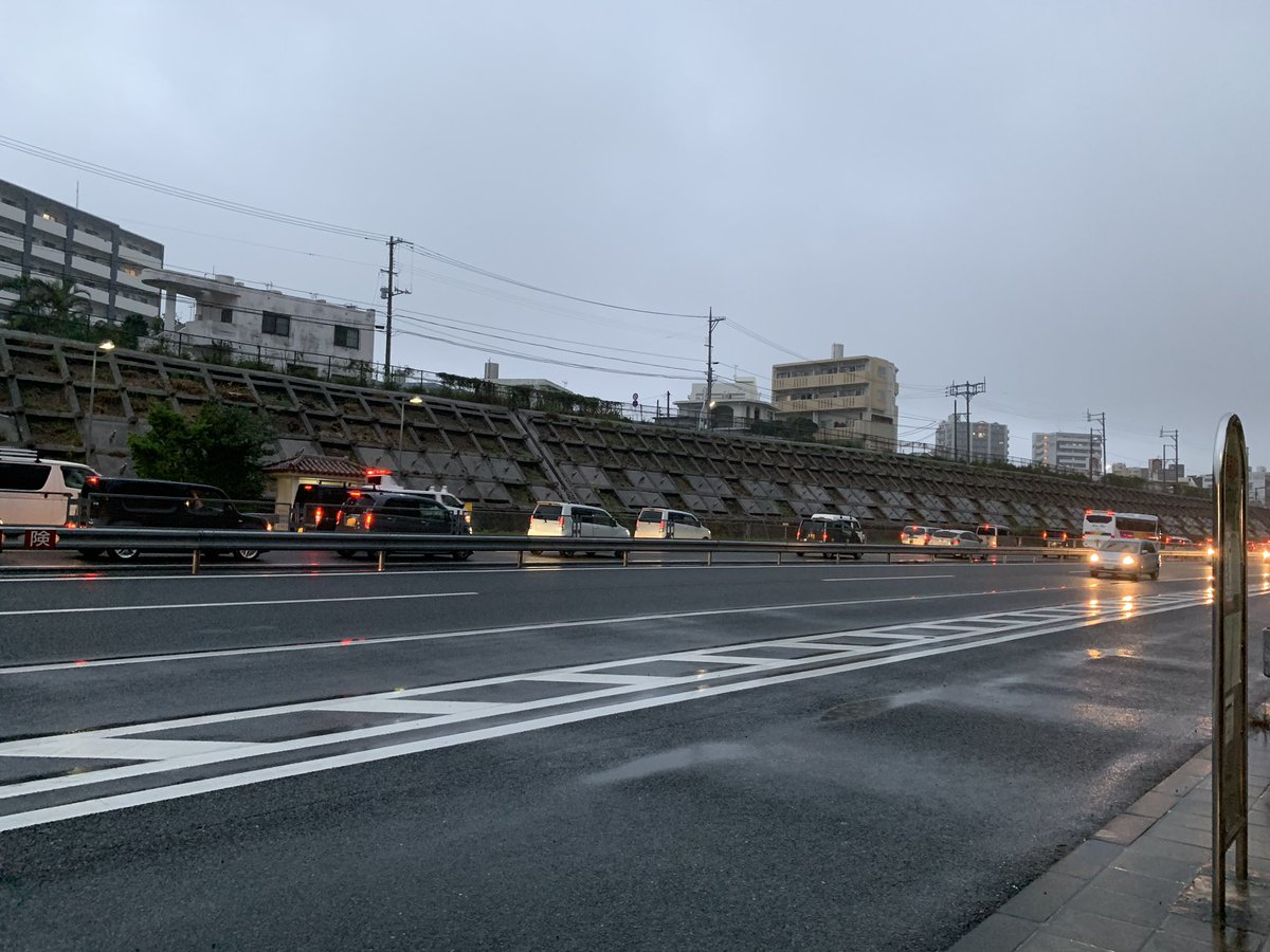 test ツイッターメディア - 沖縄自動車道琉大入口付近ですが下り北向け事故のようで渋滞しています。 #沖縄自動車道 #渋滞 https://t.co/5yeFLVdGWQ