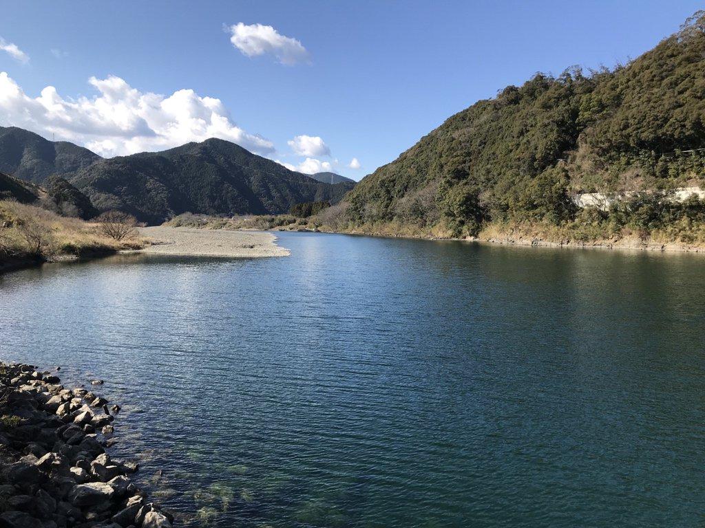 test ツイッターメディア - 佐田沈下橋からちょっと上流にある三里沈下橋。せっかくなので渡ってみました。 https://t.co/57qbfv59kd