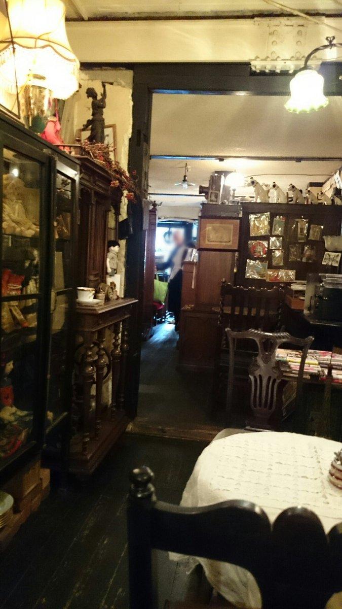 test ツイッターメディア - 京都寺町三条のホームズに出てくる「蔵」のモデルとなったカフェ、WRIGHT商會さんへ♪ 去年、京阪電車の舞台お散歩マップを貰ってたのでそれを見つつ(小説を持って行かなかった為、三嶋亭さんの横の路地を入るのを忘れてて)友人と2人、店を探して彷徨いましたわ〜w 新京極八社巡りもしてきました♪ https://t.co/vzih8TxgOJ