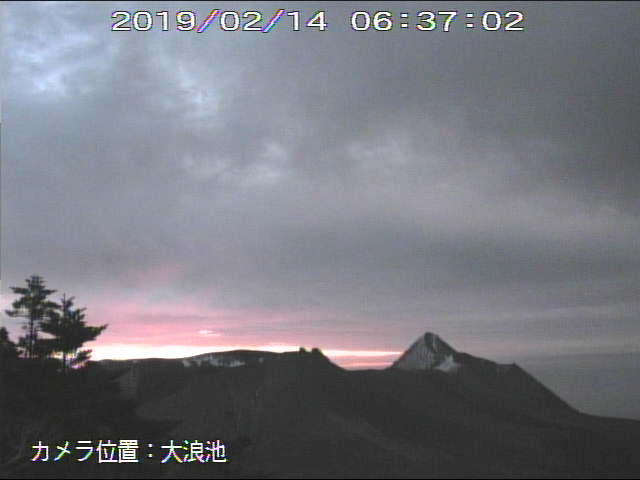 test ツイッターメディア - 新燃岳はまもなく夜明け。 https://t.co/EdBP1iVktB