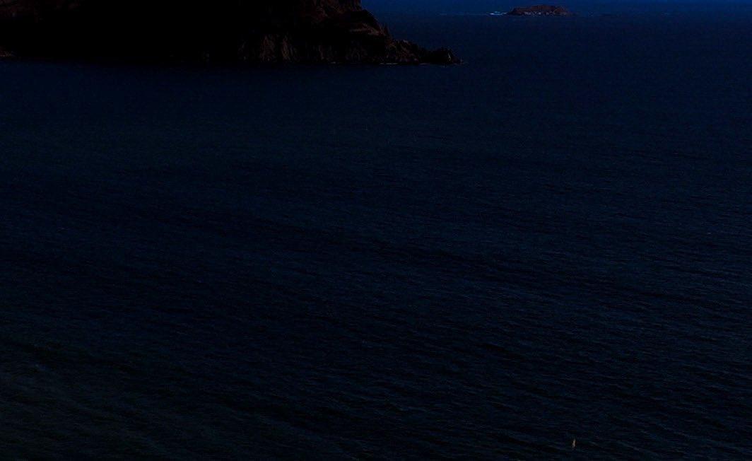 test ツイッターメディア - 夜の海は真っ暗だけど 波の音が優しくて心地良かった 車から降りて誰もいないヒミツの場所で語らう、、そんなささやかだけどかけがえのないひとときも大切にしていきたいのです #さっきの海 #ちょっとポエマー #もう明けちゃった https://t.co/22mZgZ53Hv