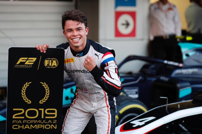 """Formula 2 on Twitter: """"Round 11 Feature Race Report Nyck de Vries blows  away the field with masterful Sochi win to seal 2019 drivers' title 👉  https://t.co/hP593ISkKK #RussianGP 🇷🇺 #F2… https://t.co/OwxR1pxRC4"""""""
