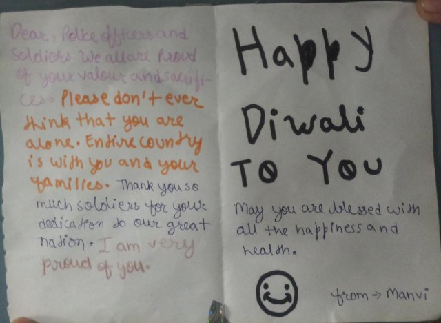 """CISF on Twitter: """"A heartwarming gesture! A little girl gave Happy"""