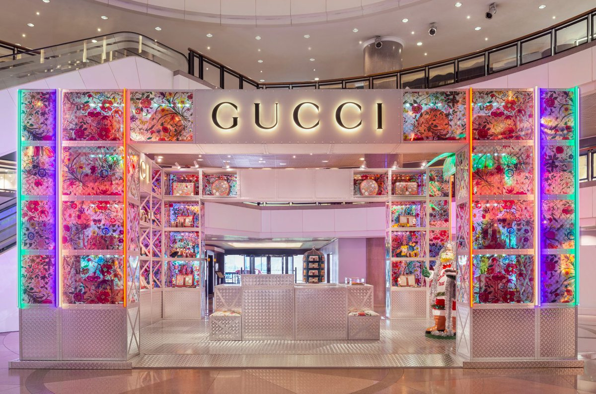 gucci launches luxury pop up stores
