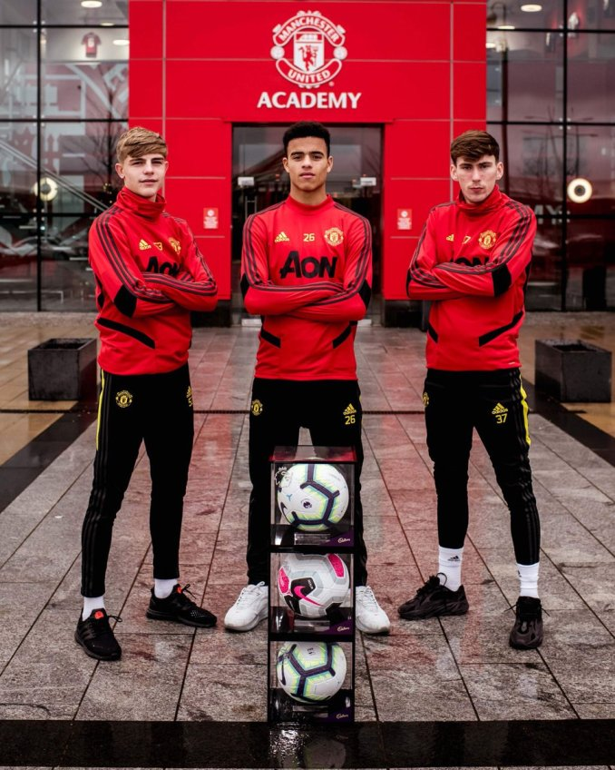 """United Zone on Twitter: """"Brandon Williams, Mason Greenwood and James Garner  presented with their #PL debut balls ⚽️ 🔴⚪️⚫️ #MUFC… """""""
