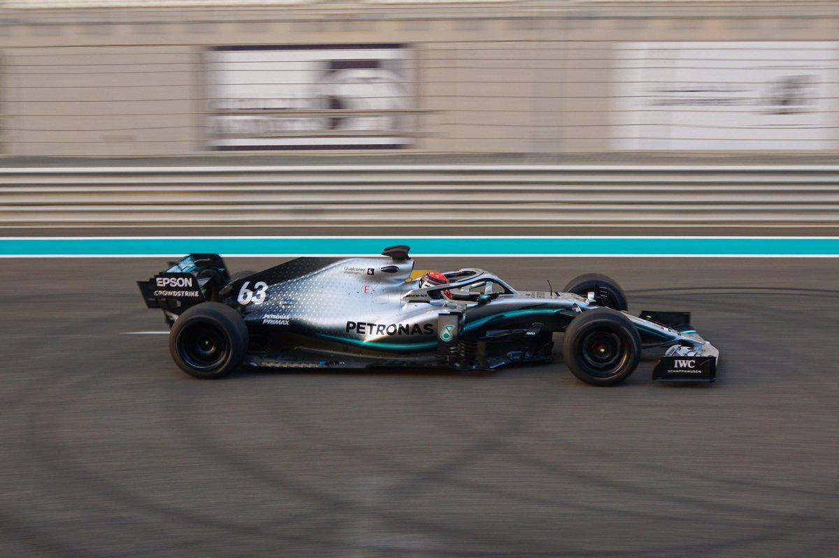 Mercedes completa il primo test con gomme Pirelli da 18 pollici